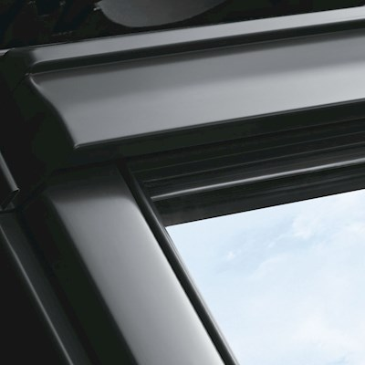 VELUX GGU PK06 0070 White PU Laminated Centre Pivot Roof Window 94x118cm